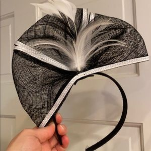 Black/white Fascinator